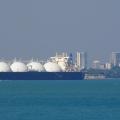 LNG ship leaves Darwin harbour in Australia (photo Eyeweed)