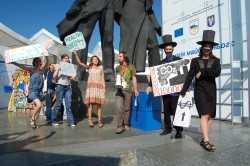 Demonstration in Kiev against fossil fuel subsidies (photo: 350.org)