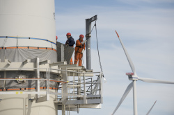 service on Horns Rev 1, 2008 (photo Danish Wind Industry Assocation)