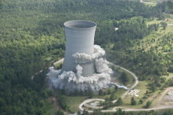 demolition of nuclear cooling tower in South Carolina (Savannah River Site)