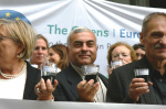 Green MEPS and anti-fracking activists outside European Parliament 2012 (photo greensefa)