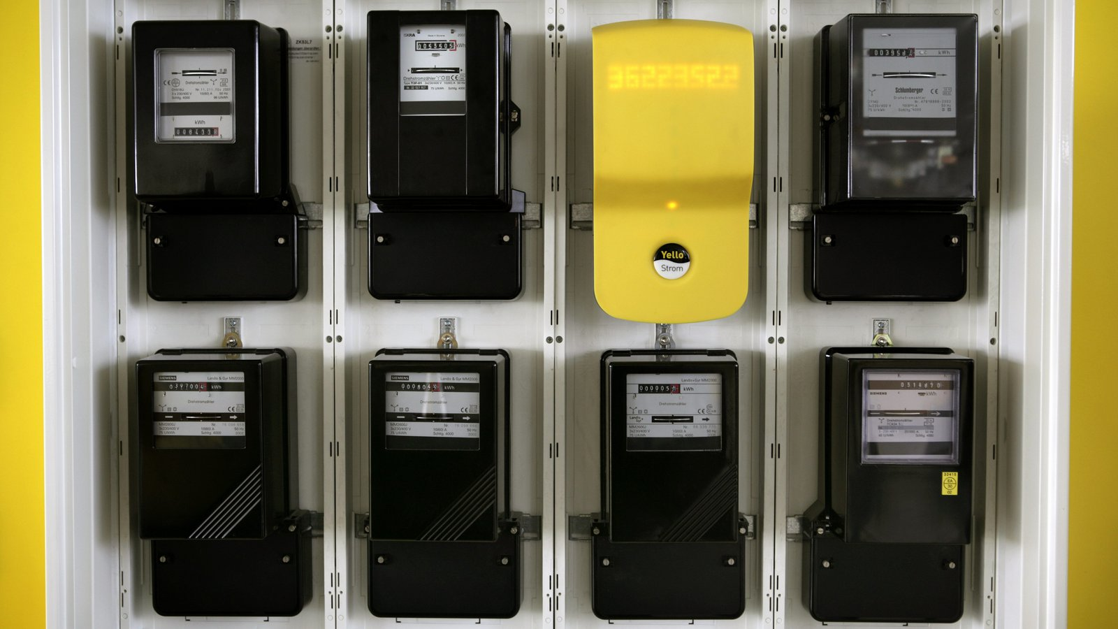 https://static-hoffmanncentre.chathamhouse.org/thumbnails/blocks/images/2019-01-18-Smart-Electric-Meter.jpg.1600x900_q85_crop_upscale.jpg
